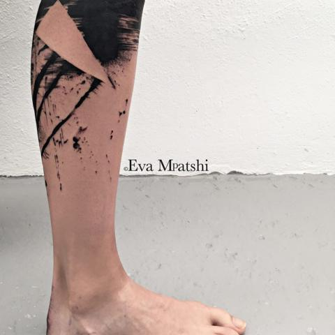 Ink in skin - achter mij - Leaving the past behind her with this freehand tattoo.